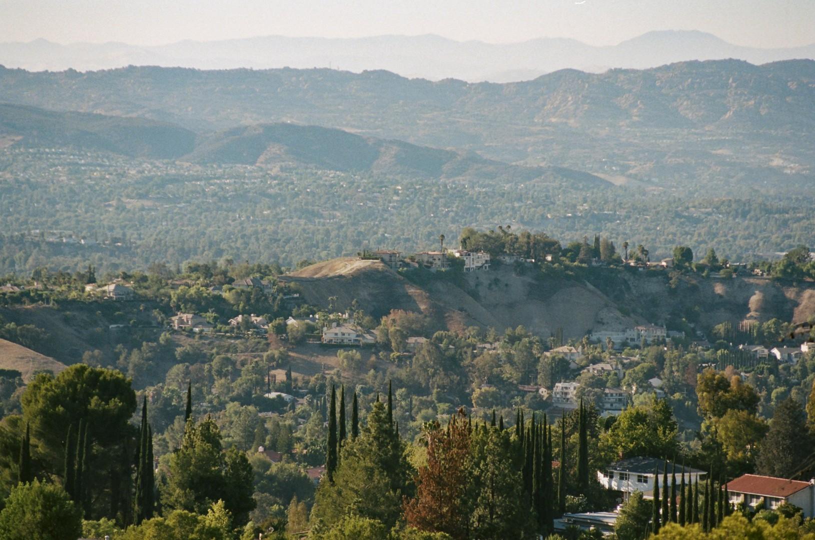 Mountain top view located in Vista County California